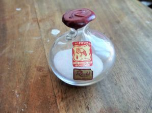 VINTAGE 24% LEAD CRYSTAL GLASS SEALED BOTTLE NIZBOR RUCKL CZECH BOHEMIA SAND